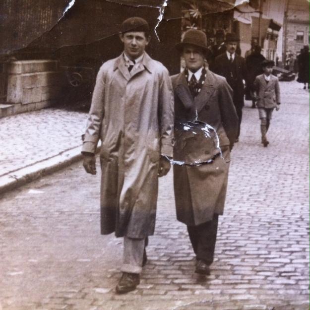 papa 1937.JPG